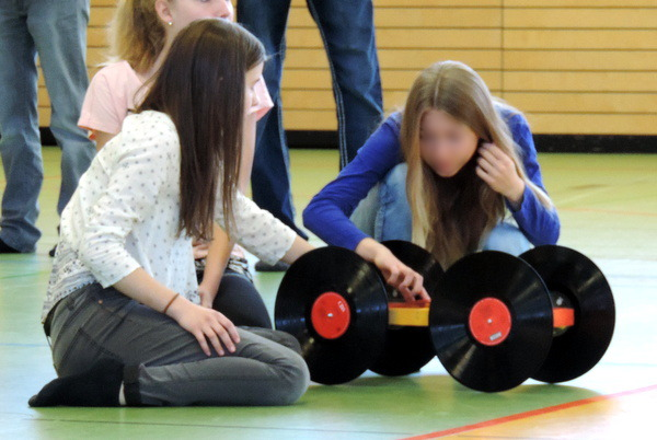 physikwettbewerb_8_autos_2015_3