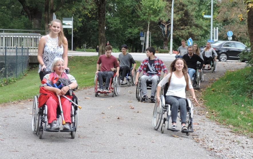 Rollstuhl2